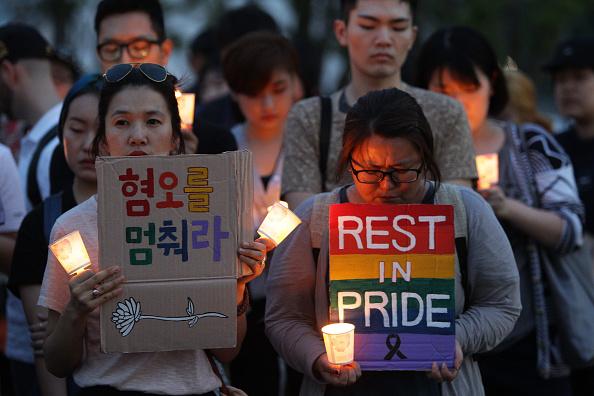 フロリダ州オーランド「South Korean Mourners Remember Victims Of Mass Shooting At Orlando Nightclub」:写真・画像(4)[壁紙.com]