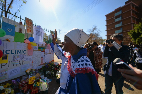Concepts & Topics「Prayers Are Said As Nelson Mandela Remains In a Critical Condition」:写真・画像(14)[壁紙.com]