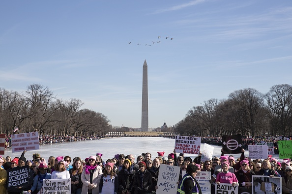 Washington DC「Huge Crowds Rally At Women's Marches Across The U.S.」:写真・画像(9)[壁紙.com]