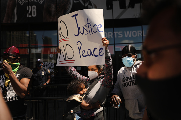Brooklyn - New York「Protests Against Police Brutality Over Death Of George Floyd Continue In NYC」:写真・画像(15)[壁紙.com]