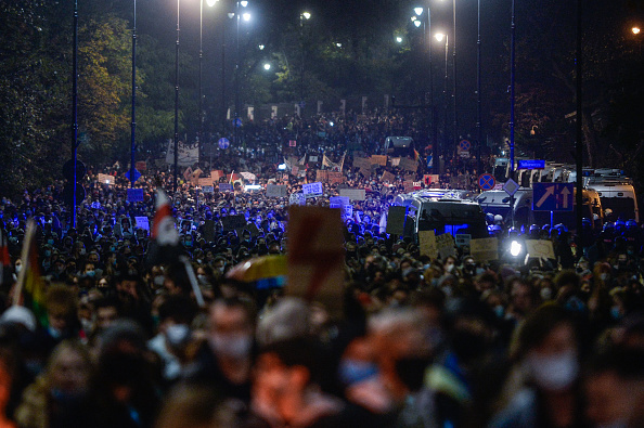 Poland「People Protest At The Tightening Of Poland's Abortion Laws」:写真・画像(8)[壁紙.com]