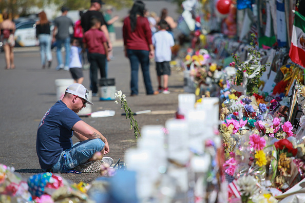 Mass Shooting「El Paso Mourns Victims Of Mass Shooting That Killed 22 And Wounded Dozens」:写真・画像(4)[壁紙.com]