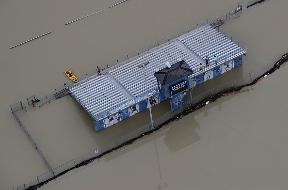 Sports Venue「Epic Flooding Inundates Houston After Hurricane Harvey」:写真・画像(8)[壁紙.com]