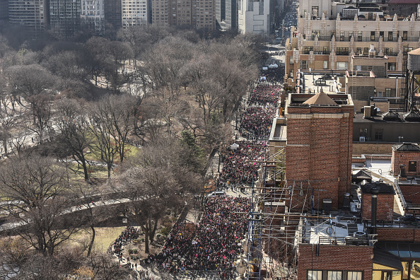 Women's Issues「Huge Crowds Rally At Women's Marches Across The U.S.」:写真・画像(3)[壁紙.com]