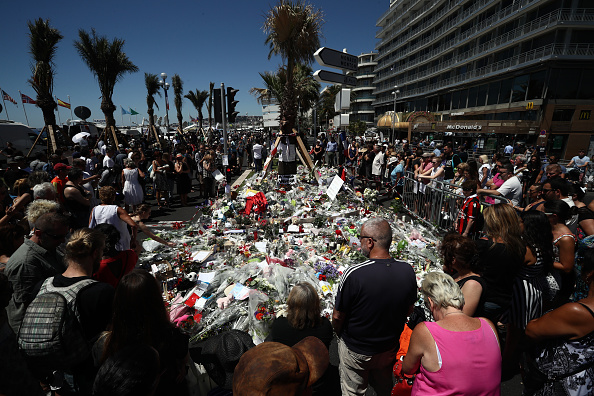 2016 Bastille Day Attack in Nice「France Continues To Mourn The Bastille Day Terror Attack」:写真・画像(18)[壁紙.com]