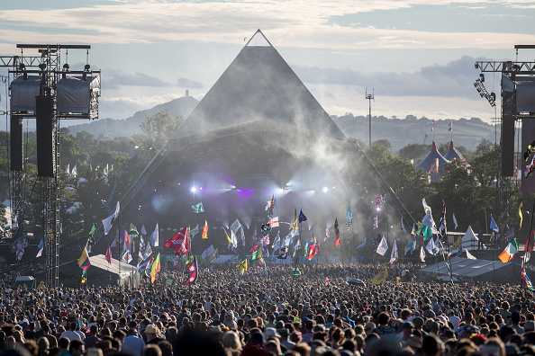 Glastonbury - England「Festival Goers Enjoy Glastonbury 2017」:写真・画像(1)[壁紙.com]