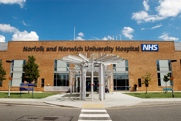 Norfolk - England「Refurbished main entrance to Norfolk and Norwich University hospital, Norwich, Norfolk, UK」:写真・画像(0)[壁紙.com]