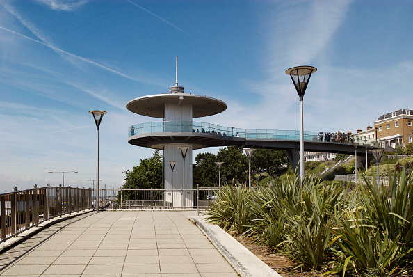 Finance and Economy「Refurbished Cliff Gardens and modern viewing pltaformand lift, Southend-on-Sea, Essex, UK」:写真・画像(4)[壁紙.com]