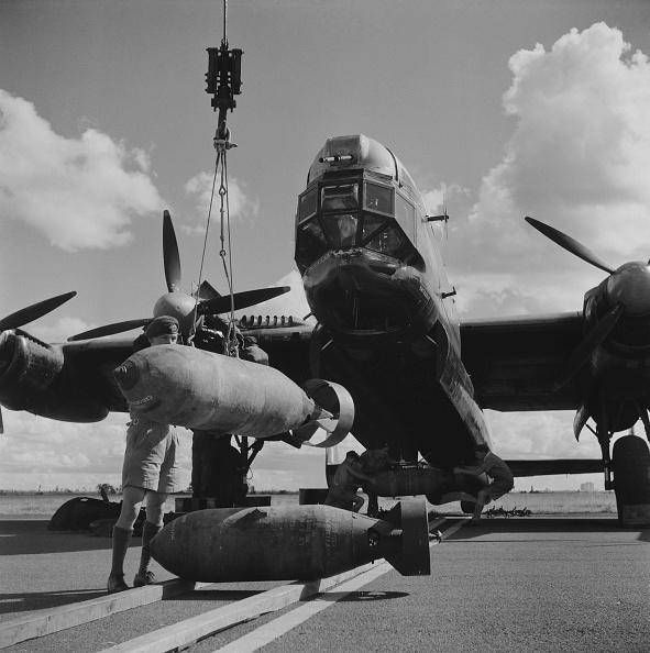 Derek Berwin「Avro Lincoln four-engined heavy bomber」:写真・画像(5)[壁紙.com]
