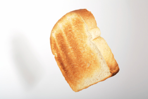 Toasted Food「Floating toast 2」:スマホ壁紙(2)