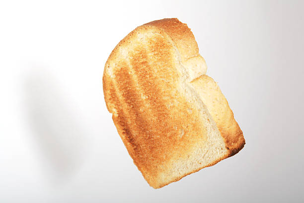 Floating toast 2:スマホ壁紙(壁紙.com)