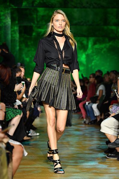 Elie Saab - Designer Label「Elie Saab : Runway - Paris  Fashion Week Womenswear Spring/Summer 2018」:写真・画像(8)[壁紙.com]