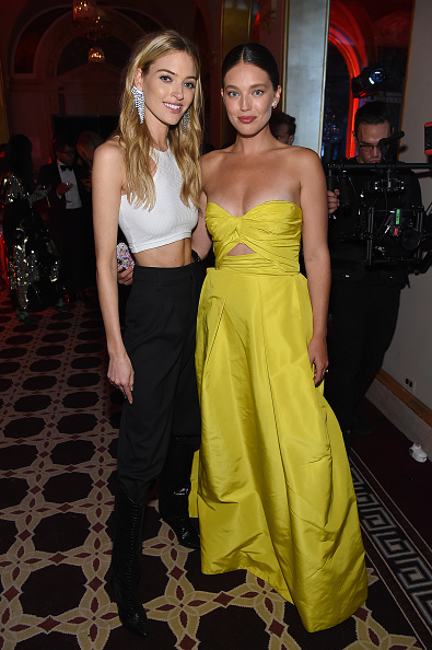 """Sweetheart Neckline「Harper's BAZAAR Celebrates """"ICONS By Carine Roitfeld"""" At The Plaza Hotel Presented By Cartier - Inside」:写真・画像(6)[壁紙.com]"""