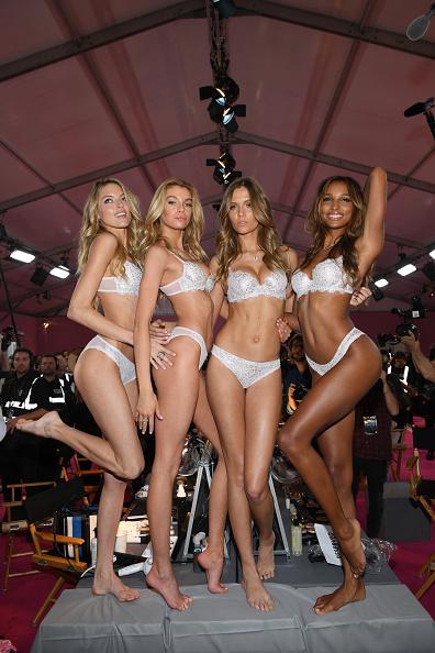 ヴィクトリアズ・シークレット「2016 Victoria's Secret Fashion Show in Paris - Hair & Makeup」:写真・画像(19)[壁紙.com]