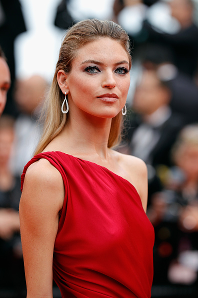 カンヌ国際映画祭「'Amant Double (L'Amant Double')' Red Carpet Arrivals - The 70th Annual Cannes Film Festival」:写真・画像(16)[壁紙.com]