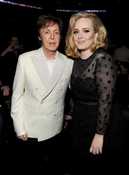 Adele - Singer「The 54th Annual GRAMMY Awards - Backstage And Audience」:写真・画像(8)[壁紙.com]