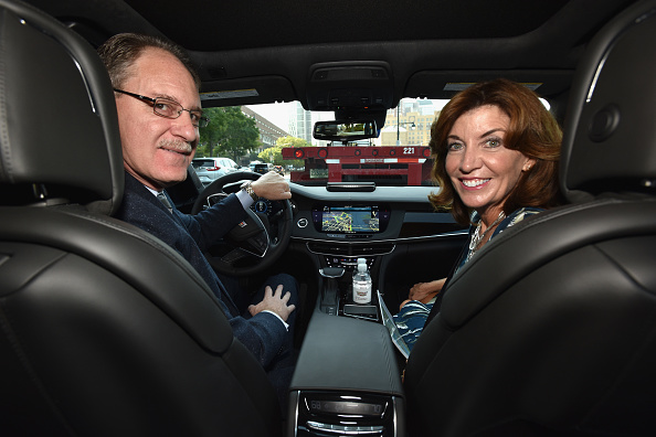 Two People「Cadillac And Lieutenant Governor Kathy Hochul Of New York Announce First-Ever Hands-Free Drive On Freeways From Coast To Coast With Super Cruise」:写真・画像(1)[壁紙.com]