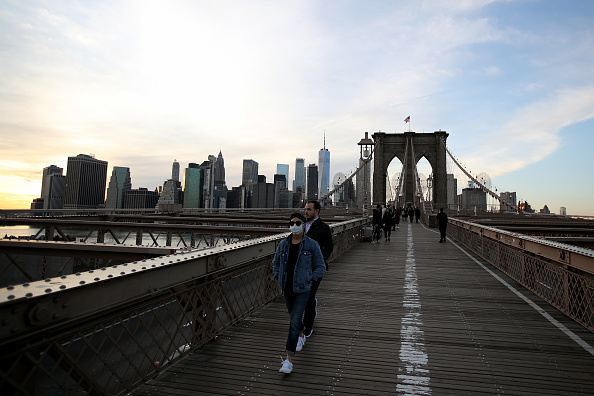 Brooklyn - New York「Coronavirus Pandemic Causes Climate Of Anxiety And Changing Routines In America」:写真・画像(4)[壁紙.com]