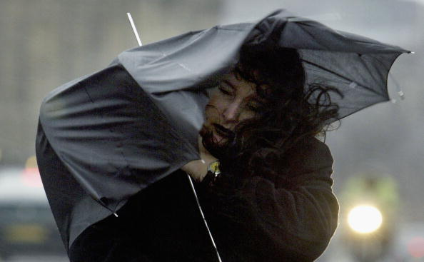 Wind「Londoners Battle Against Wild Weather」:写真・画像(18)[壁紙.com]