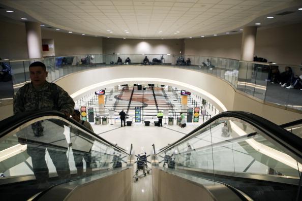 Hartsfield-Jackson Atlanta International Airport「U.S. South Hit By Crippling Winter Storm」:写真・画像(18)[壁紙.com]