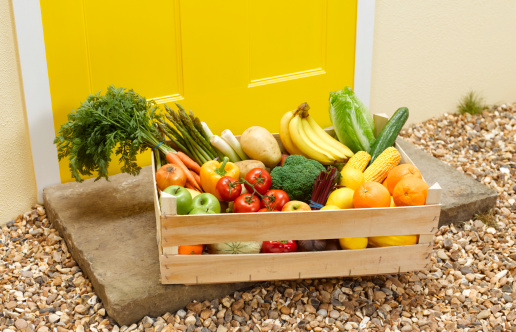 Care「Fruit and vegetable delivery on a front doorstep」:スマホ壁紙(3)