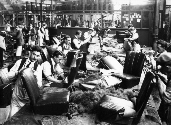 Condiment「Upholstery department, Morris factory, mid 1920s.」:写真・画像(0)[壁紙.com]