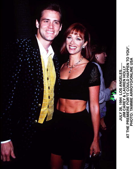 David Keeler「Hollywood Jim Carey And Lauren Holly Arrive At The Premiere Of MaskAt The Academy Of」:写真・画像(18)[壁紙.com]