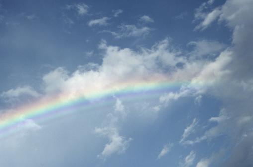 虹「Rainbow in clouds」:スマホ壁紙(10)