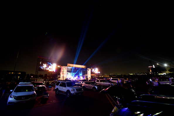 Grove「Fortunate Youth Drive-In Concert At City National Grove Of Anaheim」:写真・画像(17)[壁紙.com]