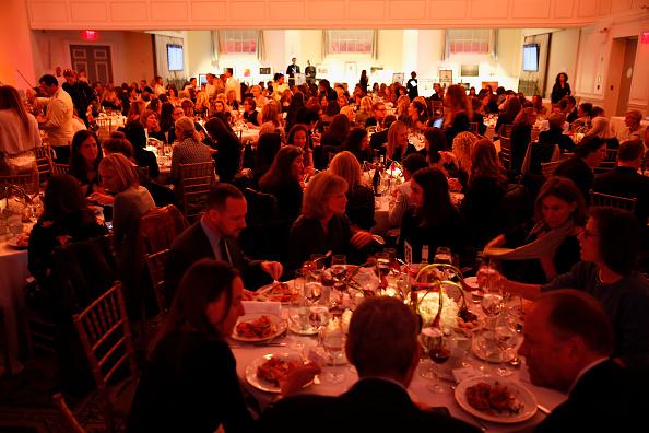 ピューリッツァー賞「Pulitzer Prize-Winning Photojournalist Lynsey Addario Honored At The 2017 ICP Spotlights Luncheon」:写真・画像(7)[壁紙.com]