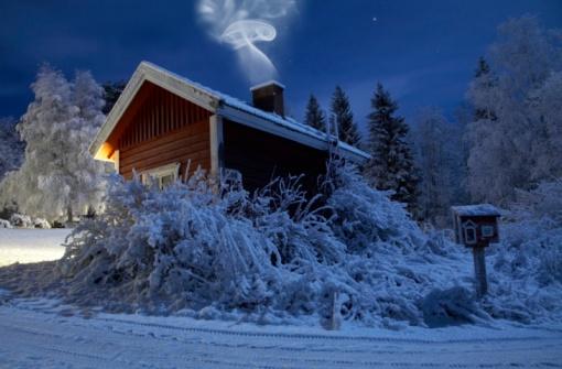 Finland「Sauna in winter moonlight」:スマホ壁紙(17)