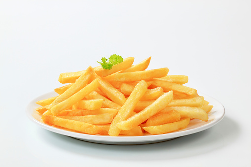Crunchy「Plate of delicious looking French fries」:スマホ壁紙(16)