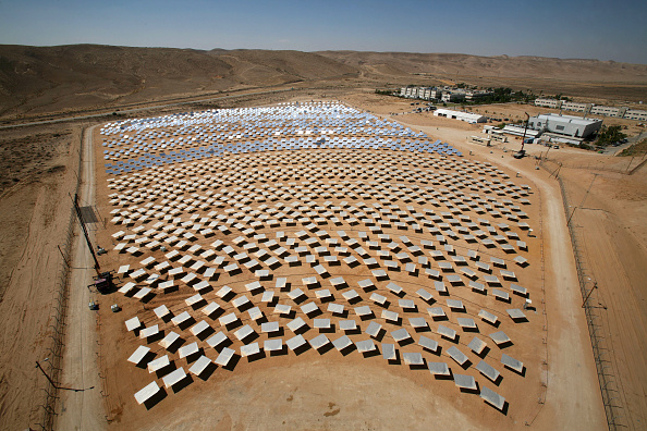 Environmental Issues「New Solar Farm Opens In Israel」:写真・画像(3)[壁紙.com]