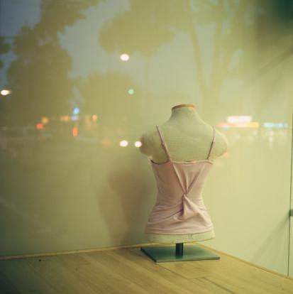 Spaghetti Straps「Mannequin in Window」:スマホ壁紙(11)