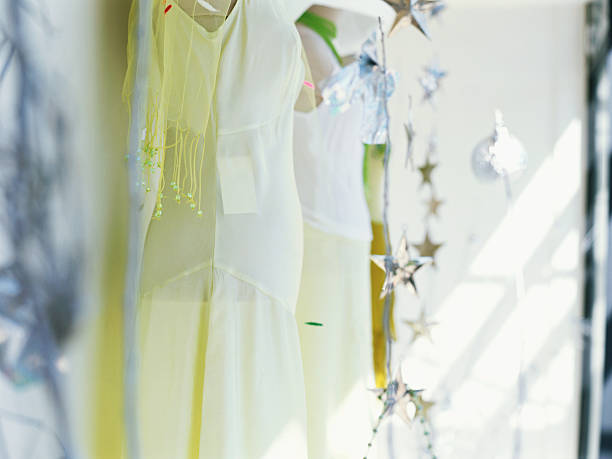 mannequin in a clothing store:スマホ壁紙(壁紙.com)