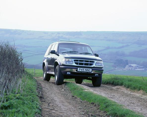 Country Road「1996 Ford Explorer」:写真・画像(15)[壁紙.com]