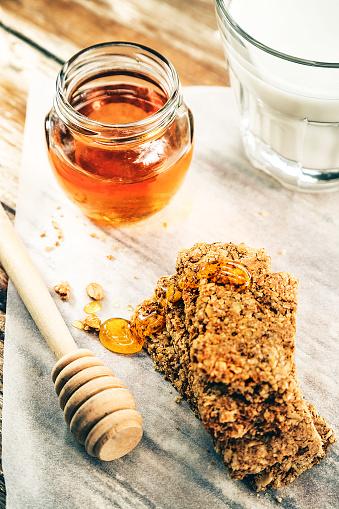 Granola「Granola bars, milk and honey」:スマホ壁紙(1)