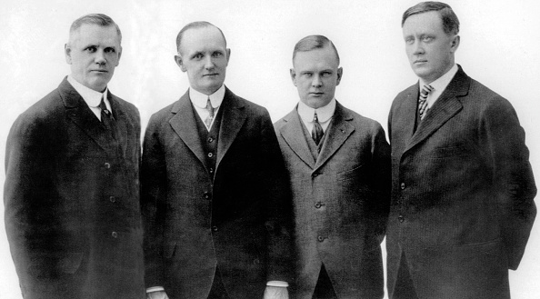 Harley-Davidson「founders of the Harley Davidson Motor Company : William Davidson, Walter Davidson, Arthur Davidson et Bill Harley」:写真・画像(17)[壁紙.com]