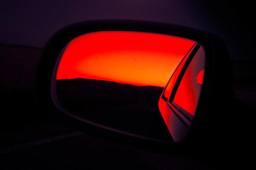 Motor Vehicle「sunset in rearview mirror」:スマホ壁紙(3)