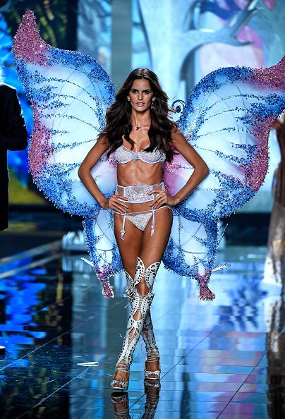 Victoria's Secret「2014 Victoria's Secret Fashion Show - Runway」:写真・画像(0)[壁紙.com]