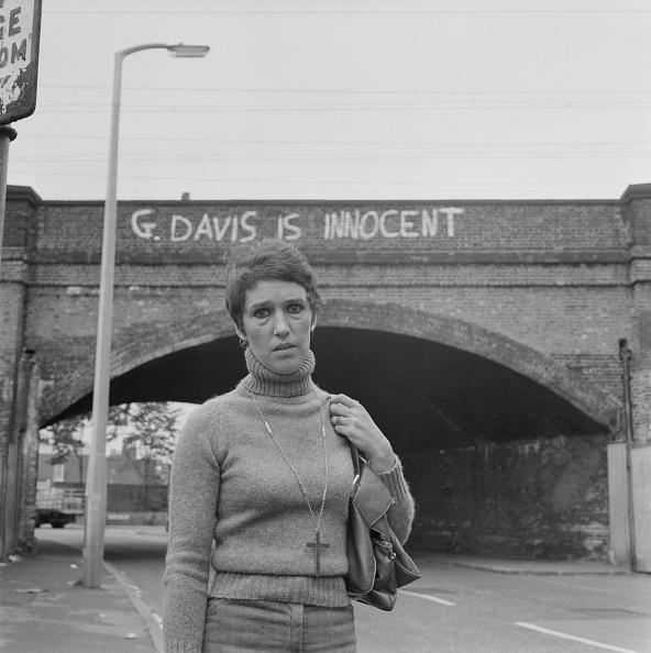 Graffiti「Rose Davis」:写真・画像(2)[壁紙.com]