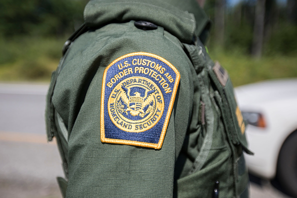 Law「Customs And Border Patrol Keep Watch At U.S.-Canada Border」:写真・画像(19)[壁紙.com]