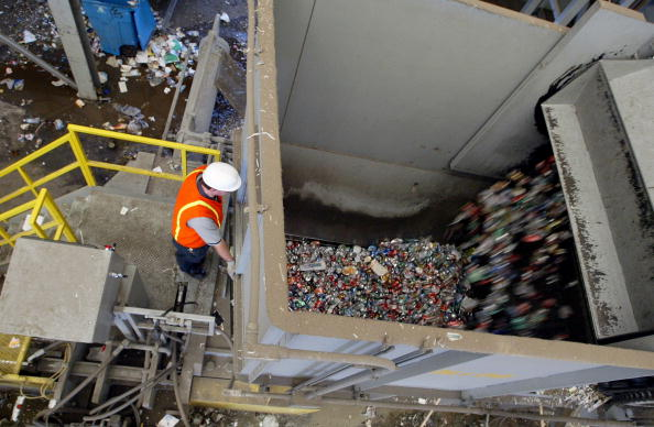 Aluminum「San Francisco Waste Management Firm Uses Cutting Edge Recycling Facility」:写真・画像(4)[壁紙.com]