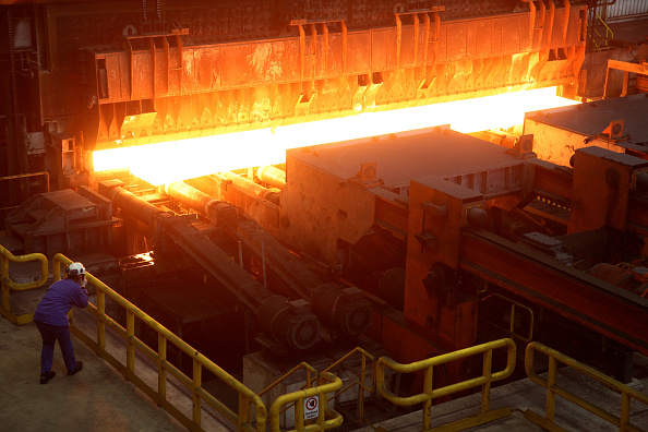 Glowing「ArcelorMittal Steel Production」:写真・画像(2)[壁紙.com]