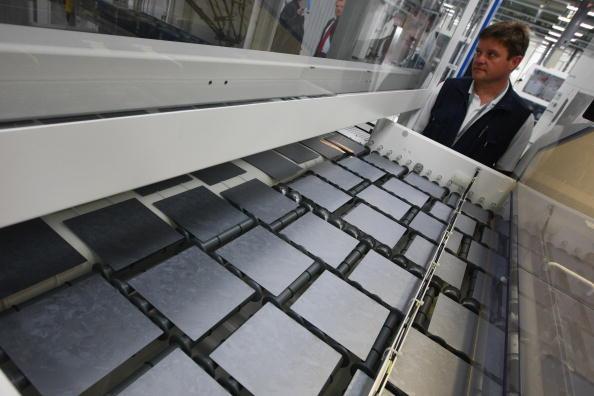 Silicon「Conergy Expands Solar Panels Production」:写真・画像(3)[壁紙.com]