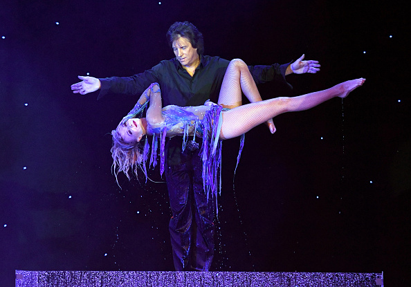 "Magician「Opening Night Of ""Masters Of Illusion"" At Bally's Las Vegas」:写真・画像(14)[壁紙.com]"