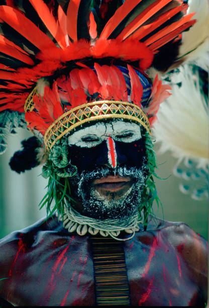 Man at Tribal Gathering, Papua New Guinea:ニュース(壁紙.com)