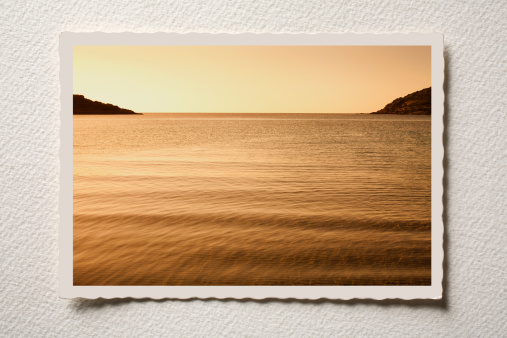 Sepia Toned「Old postcard of the sea」:スマホ壁紙(7)