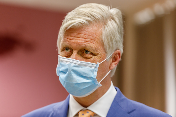 King - Royal Person「King Philippe Of Belgium And Queen Mathilde Visit The Antwerp Tropical Institute Of Medicine」:写真・画像(16)[壁紙.com]