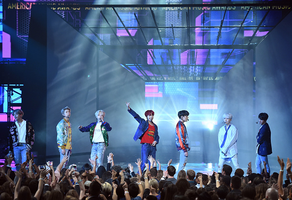 防弾少年団「2017 American Music Awards - Show」:写真・画像(13)[壁紙.com]